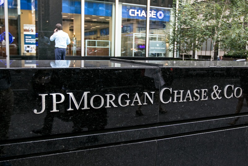 """financial restatement jp morgan chase Jpmorgan chase & co (""""jpmorgan chase"""" or the """"firm"""") restated its previously- filed interim financial statements for the quarterly period ended march 31, 2012."""